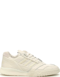ADIDAS A.R.TRAINER SNEAKERS 7,5 White Leather