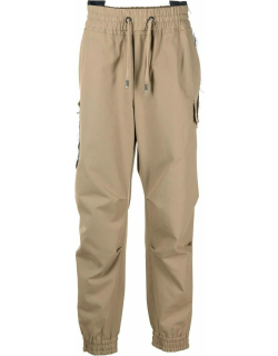 Sports trousers with application