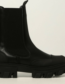 Ganni Chelsea boots in leather