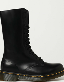 1914 Dr. Martens leather boots